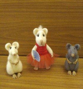 Мышь модница