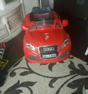 Автомобиль AUDI на аккумуляторе