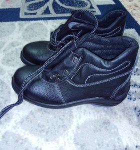 Ботинкии туфли на мальчика подростка