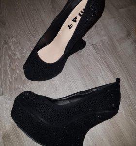 Туфли замша и стразы