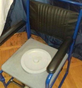 Кресло унитаз для инвалидов.