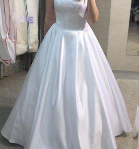 Свадебное платье уместный торг