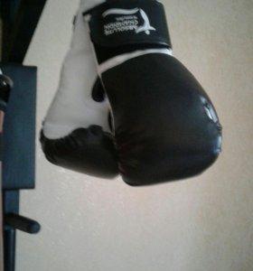 Перчатки боксерские 8-10- 12-унции от произ-я.950р