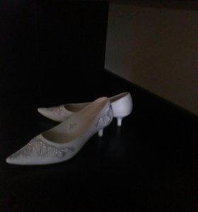 Продам свадебные туфли