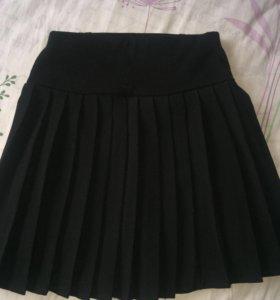 Юбка чёрная в плиссировку на 1 класс