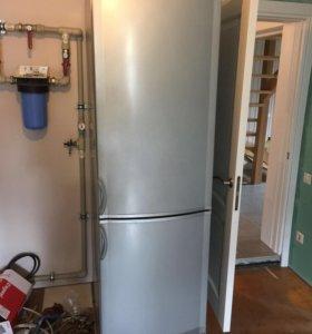 Холодильник Vestfrost BKF-B40