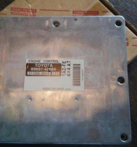 Toyota RAV4 блок управления двигателя (эбу)