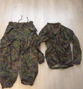 Камуфляжные штаны и куртка