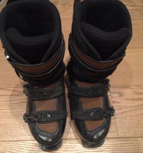 Ботинки горнолыжные 26.5 см