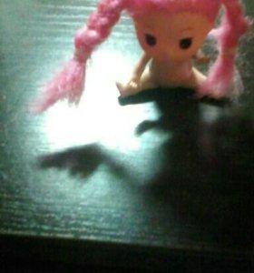 Розоволосая кукла