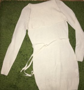 Платье-футляр вязаное