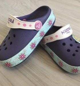 Crocs новые размер 6