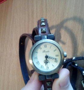 Часы 2 шт (не работают)