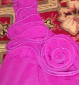 Платье розовое с цветочками( тянется)