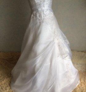 Платье свадебное комплектом