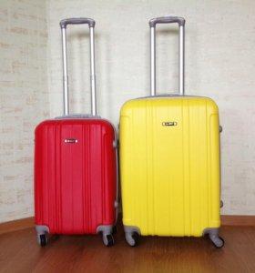 Комплект ярких чемоданов M+S