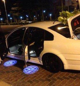 Проектор в двери BMW
