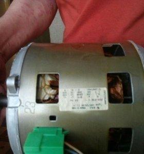 Двигатель от стиральной машины ARDO италия