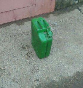 Канистра для бензина 20 л метал.