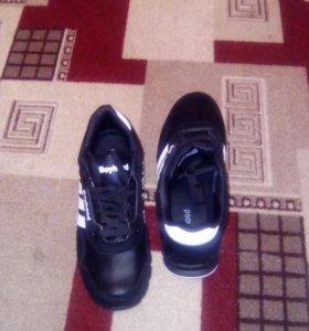 Кросовки мужские черныеа
