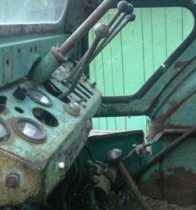 Трактор т40АМ с передком ведущим