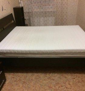Кровать + матрас + 2 тумбы