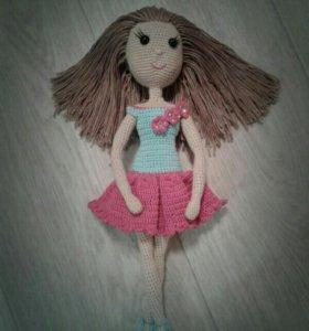 Вязанная кукла. Ручная работа