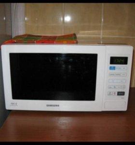 Микроволновка Samsung MW 73 BR