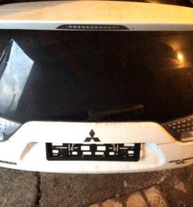 Крышка багажника Мицубиси
