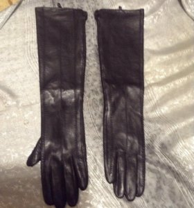 Перчатки женск. черн. кожаные длинные разм.8,новые