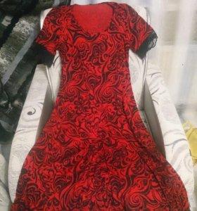 Платье б/у (р.52)