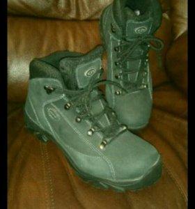 Новые в упаковке зимние ботинки нубук