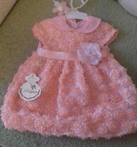 новое платье с ободком на 6-10мес.