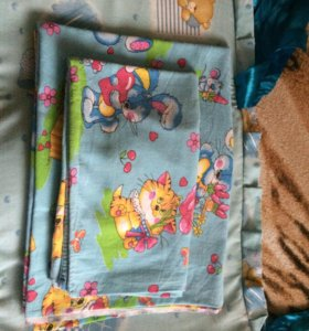 Постельное бельё и бортики в детскую кроватку