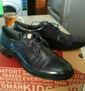 Ботинки лакированные новые