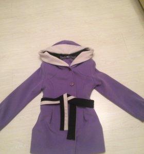 Пальто красивое в хорошем состоянии