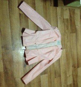 Пиджачок розовый кожаный