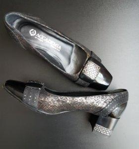 Туфли женские ACCADEMIA