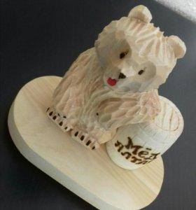 Сувениры (медведь из кедра )