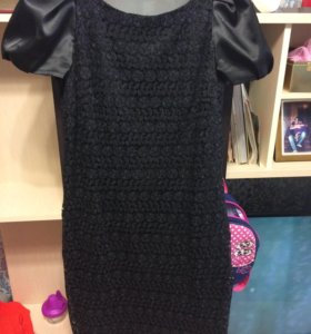 Платье с гипюром