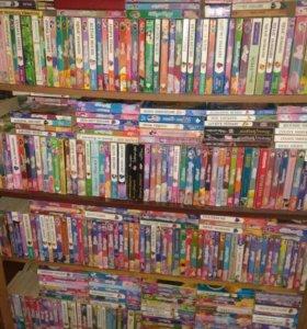 Книги очень много