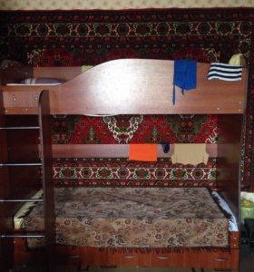 Двухъяруная кровать