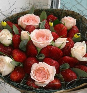 Букеты Фруктово-ягодные