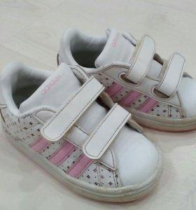 Кроссовки Adidas 22-23
