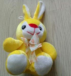 Детская игрушка зайчик