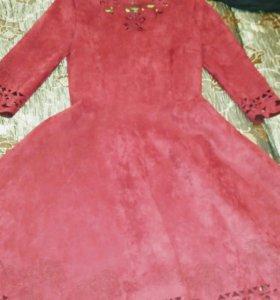 Платье новое бархатнле
