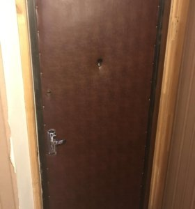 Дверь железная входная
