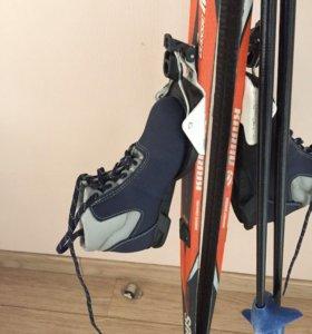 Лыжи беговые,ботинки,палки детские