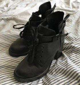 Ботиночки Carnaby 36-37