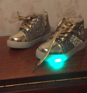 Обувь детская, брендовая